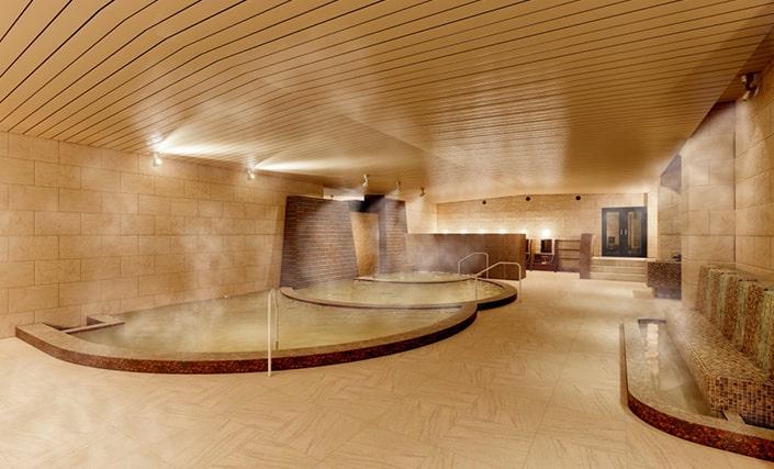 大浴場『石殿』インド砂岩と御影石を使用した総石造